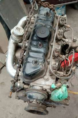 Motor indeno 4 pistones rastrojero en funcionamiento