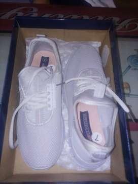 Zapatos deportivo de mujer