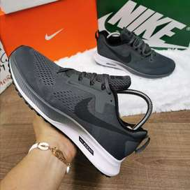 Zapatillas Nike de  hombre y de  damas