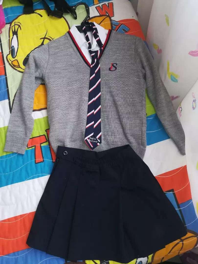 Vendo uniforme colegio Liceo La Sabana 0