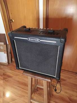 Amplificador KUSTOM HV 30 watts con efectos digitales y parlante CELESTION