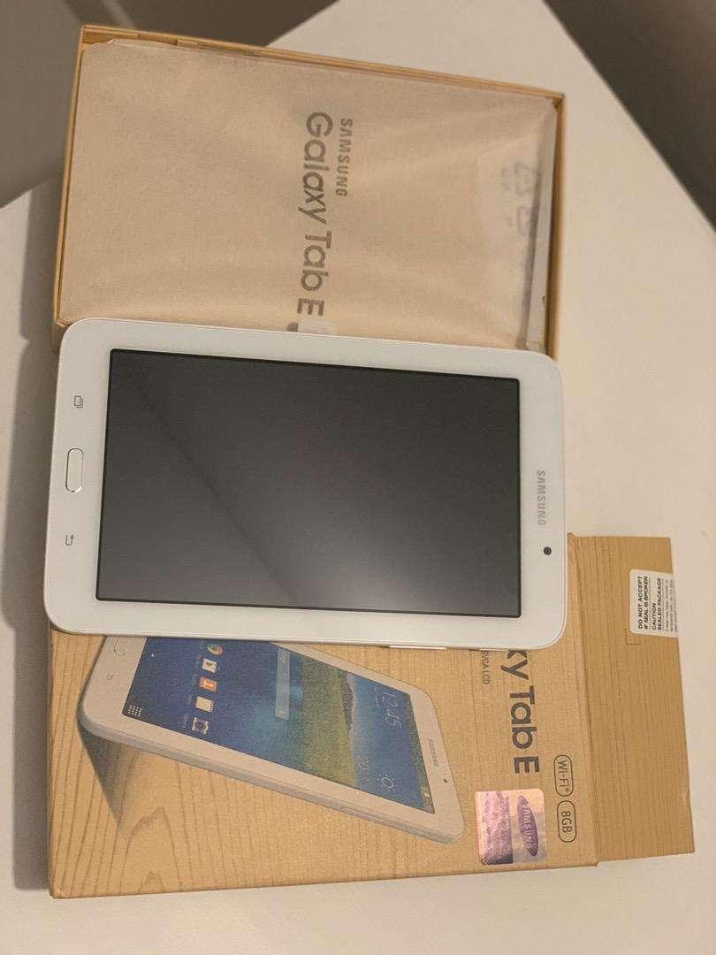 Samsung Galaxy Tab E 0