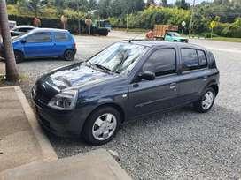 Vendo O Permuto Renault Clio Expression automático Mod2010