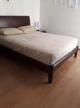 Vendo cama y mesas de noche