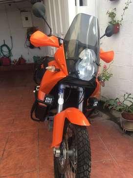 Vendo moto KTM 990