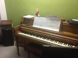 Expectacular Piano Vertical !