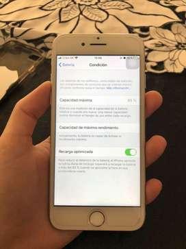 Iphone 7 silver, 32 gb, usado, colo nuevo. Con cargador y auriculares