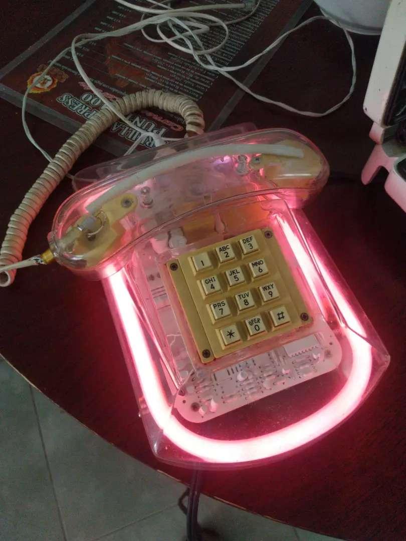 Teléfono de luZ Led de los años 80,s leer