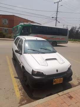Se Vende Clio 98 motor 1.4