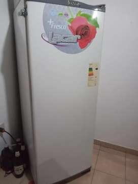 heladera Lacar con congelador. Funcionando.No permuto.