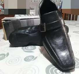 Líquido zapatos nuevos nro 43
