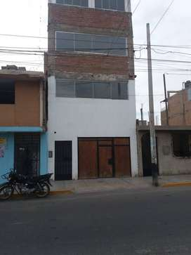 ALQUILO LOCAL COMERCIAL DE 4 PISOS A MEDIA CUADRA DEL HOSPITAL SAN JOSE DE CHINCHA