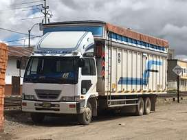 Camion nisan confor