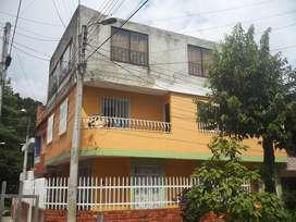 vendo permuto casa en piedecuesta tres aptos, B. la argentina