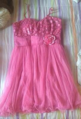 Vendo Vestido Rosado Brillante