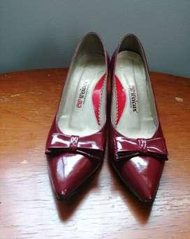Zapatos de tacón Vinotinto charol