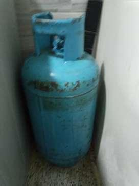 Se vende pipeta mediana con gas casi completo