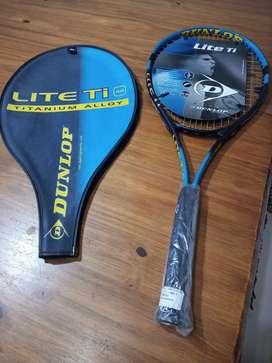 Raqueta Tennis NUEVA Sin estrenar. Dunlop Lite Ti 98
