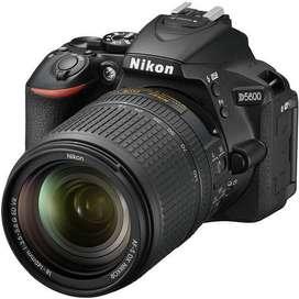 Cámara Nikon D5600 Kit 18-140mm - Nueva