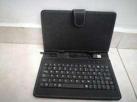 Forro en cuero con teclado para tablet