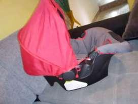 Silla de auto para bebe/Moisés para bebe