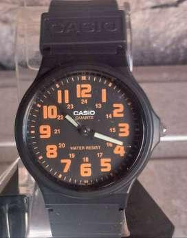 Reloj CASIO unisex estilo Swatch muy lindo diseño y calidad.