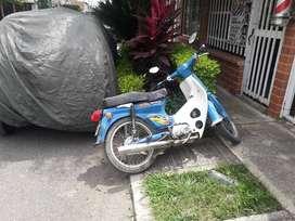 moto  usada 4 tiempos honda  1998