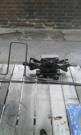 Criquet tijera para auto