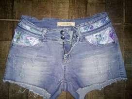 Shorts seminuevo elastizado