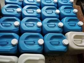 Agua destilada garrafas  y galones