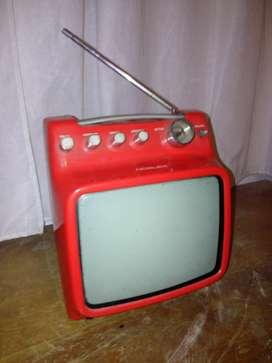 Tv noblex roja vintage 9