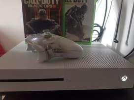 Vendo Xbox one S 1tera 2 juegos call of dutty black ops 3 y modern warfare