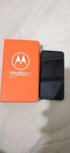 Moto e6 play en caja