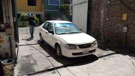 Vendo mazda color blanco motor 1300