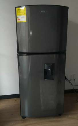 Nevera Haceb No Frost 230 litros Gris Titanio