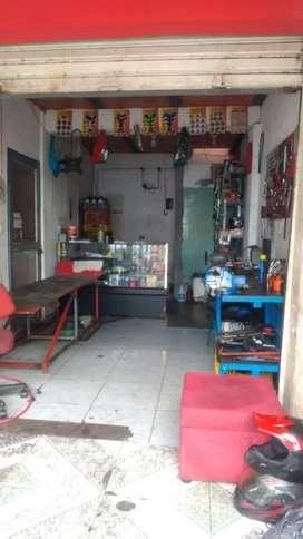 Se vende lavadero taller y almacén de motos