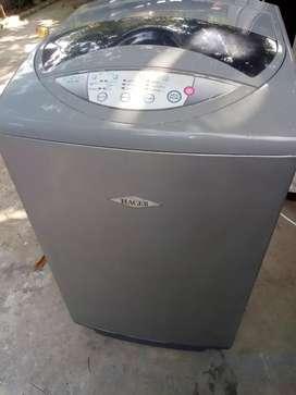 Vendo lavadora Haceb, buen estado, gris