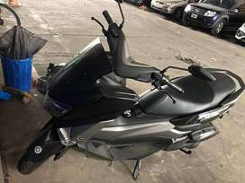 Scooter Yamaha NM-X en perfecto estado