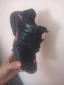 Zapatillas nuevas de mujer