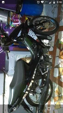 Vendo moto Best modelo 2016