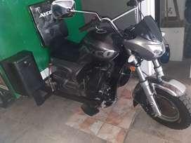 hermoso moto carro como nuevo con solo 1800 kilometros