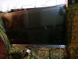 Vendo smart tv datsum 43 pulgadas em su caja