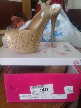 Venta de zapatos altos