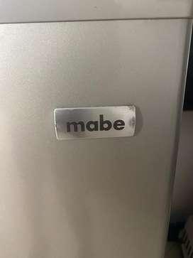 Nevera Mabe, con escarcha