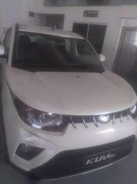 Automóvil KUV-100 Mahindra