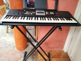 PIANO YAMAHA PSR-E223