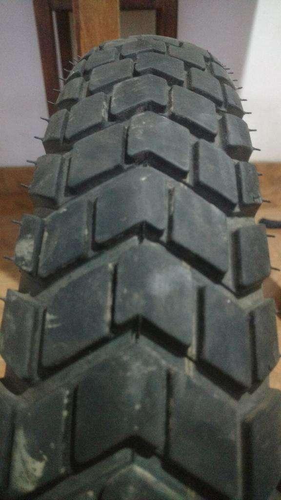 Vendo Cubierta Moto Medida 90 90 19 0
