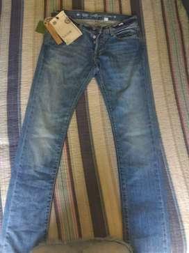 Jeans marca etiqueta negra
