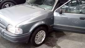 Vendo Ford Escort (1994)