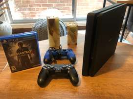 Play Station 500Gb + 2 controles + Uncharted 4